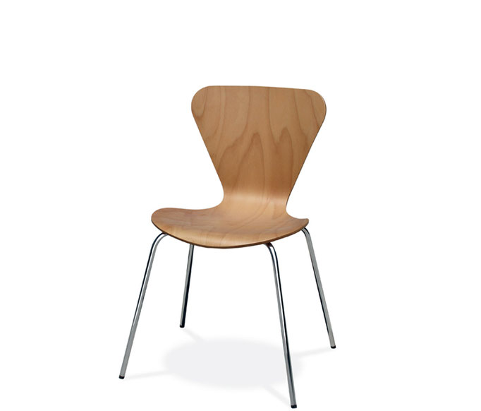 Jacobsen 180 silla de comedor, cocina de estilo nórdico en Barcelona