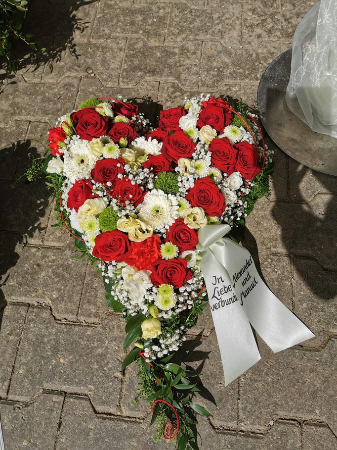 Herz in weiß und rot
