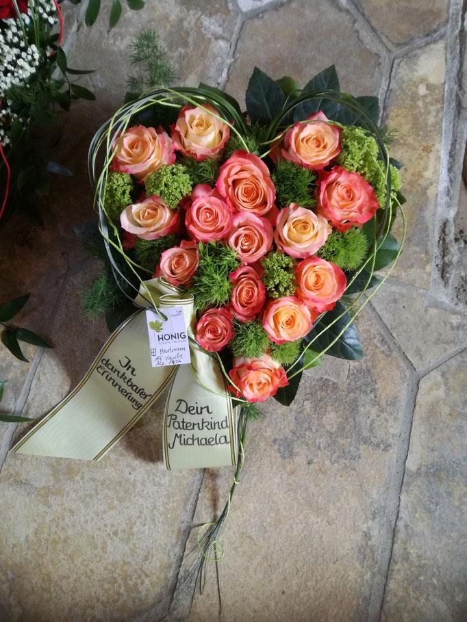 Herz mit Rosen in orange