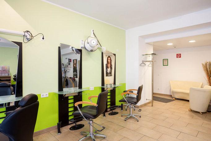 Hair Design - Wartebereich