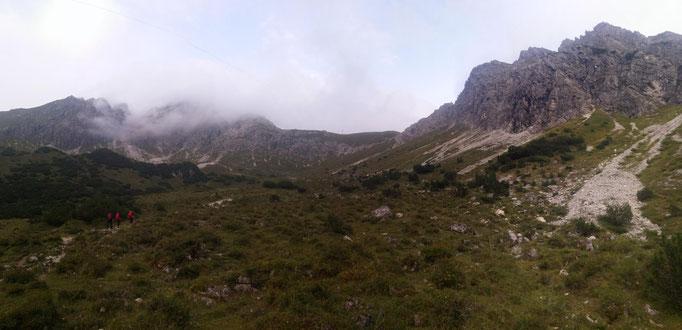 Das Wildental mit Blick zur Fidererpasshütte