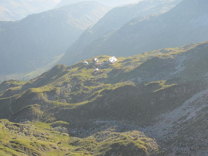 Blick hinunter zu unserem heutigen Ziel: Die Mindelheimer Hütte