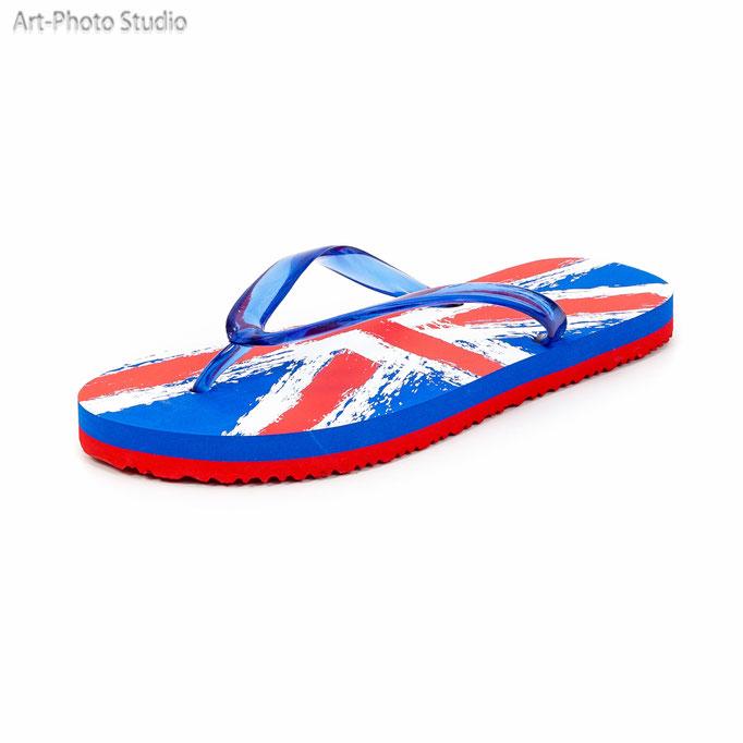 предметное фото обуви для пляжа и отдыха