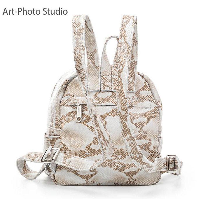 предметное фото рюкзака для города