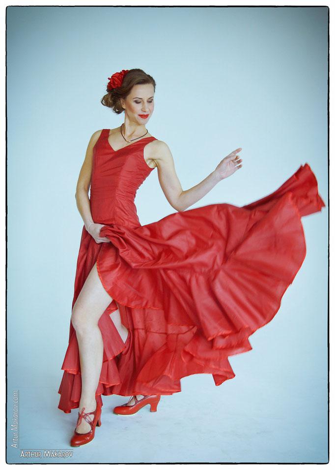 фотосессии в Харькове - девушка в ритме танца