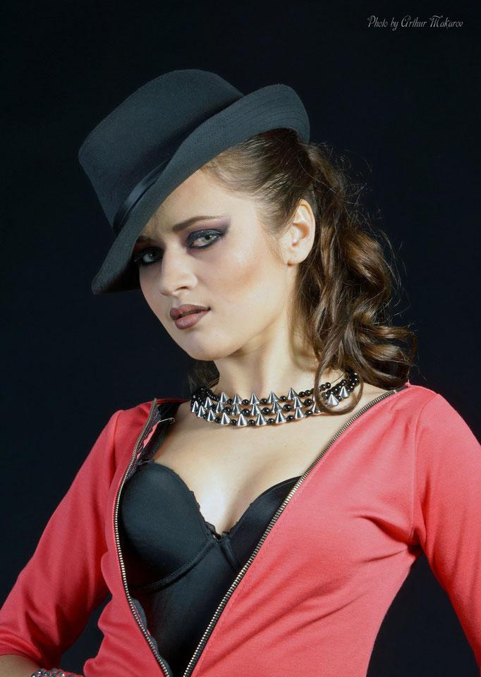 фотосессии в Харькове - портрет девушки в шляпке