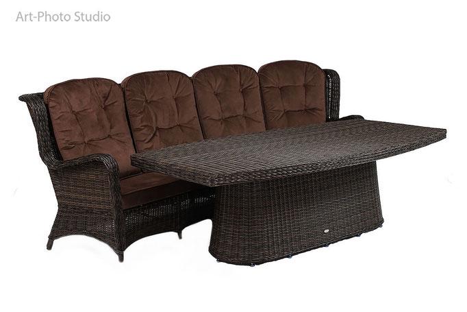 набор плетеной мебели  - диван и стол