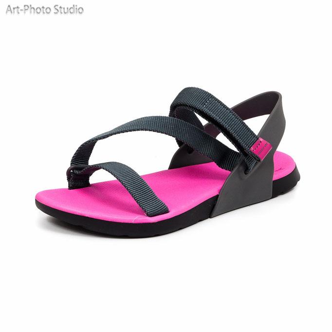 предметная съемка для каталога пляжной обуви в Харькове - сезон лето 2017 года