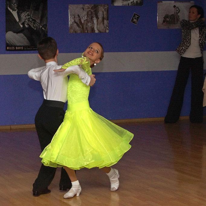 репортажная фотосъемка - детский танцевальный конкурс в Харькове