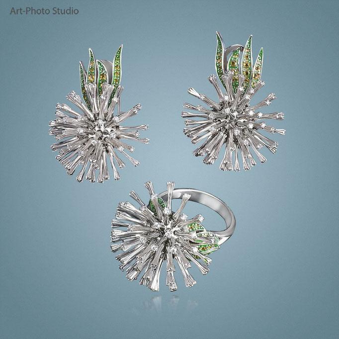 серьги и кольцо из белого золота с бриллиантами в наборе