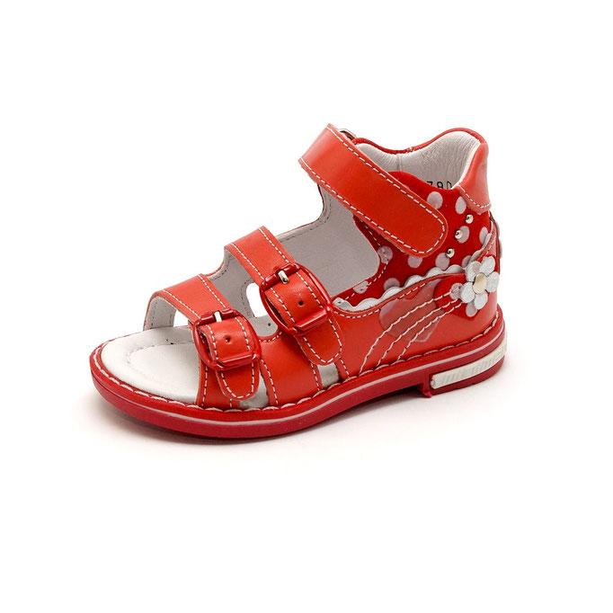 предметная фотография детской обуви - съемка для каталога в Харькове