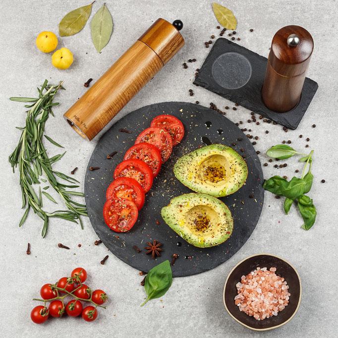 фото-композиция с мельницами для измельчения соли и перца - фото для Amazon