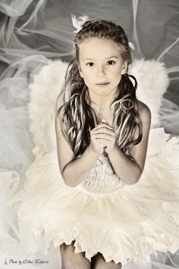 фото девочки в образе ангела