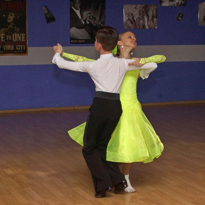 репортажная съемка - детский танцевальный конкурс в Харькове