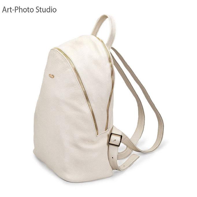 городской рюкзак - вид сзади - съемка для LaModa