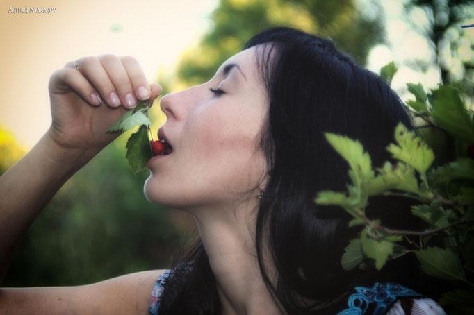 Женский портрет - Вкус ягоды