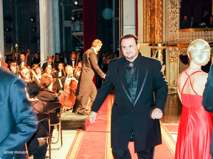 репортажная фотосъемка - открытие театра оперы и балета в Одессе - праздничный концерт Гришко