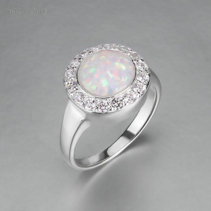 фотосъемка ювелирных украшений украшений - серебряное кольцо с камнем