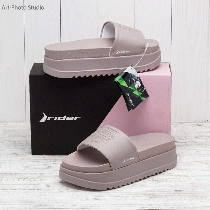 предметная съемка обуви на фактурном фоне