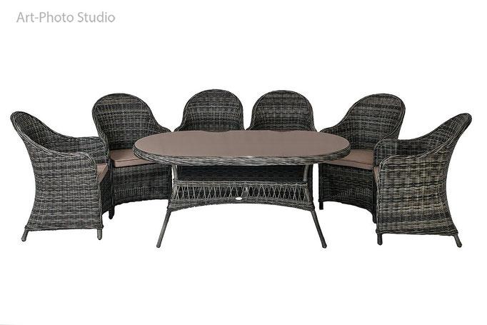 предметная фотография набора из плетеной мебели