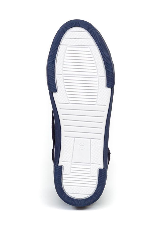 съемка зимней женской обуви для каталога интернет-магазина LaModa