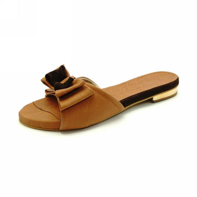 предметная рекламная фотосъемка женской летней обуви в Харькове для каталогов интернет-магазинов
