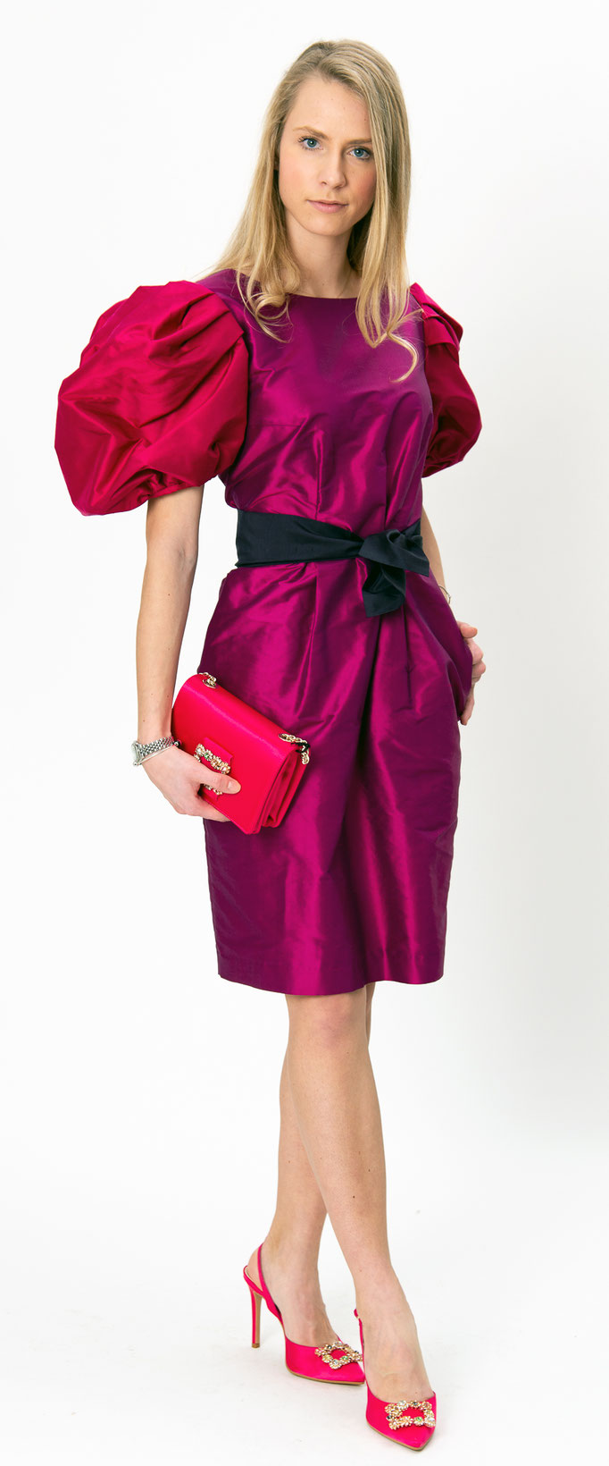 #SN 33  Mother - of -the - bride - dress in pink und fuchsia mit ausgefallenem Ärmelschnitt 750 €
