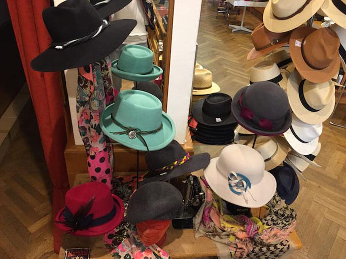 Hüte und Mützen eigene Kollektion