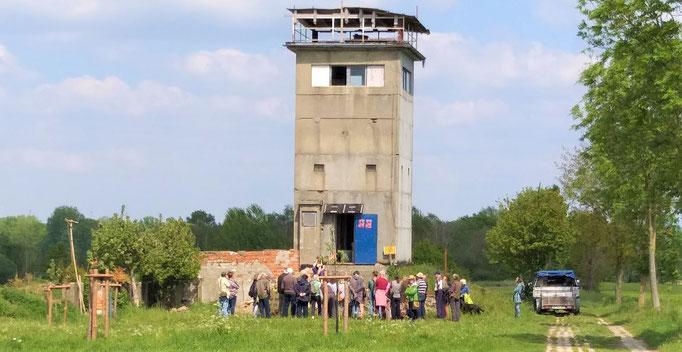 Alter DDR-Grenzturm in Dahrendorf, 13 km von Schmölau entfernt