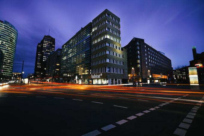 Langzeitbelichtung bei Nacht in Berlin