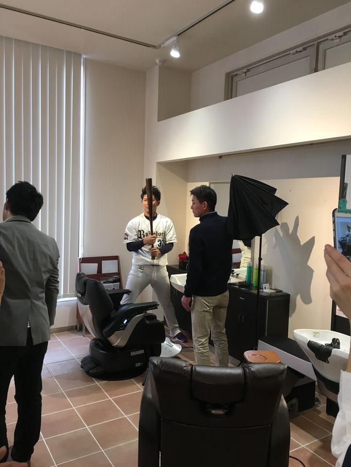 2016年秋にオリックスバファローズの若月選手にモデルになって頂いて撮影会を開きました。