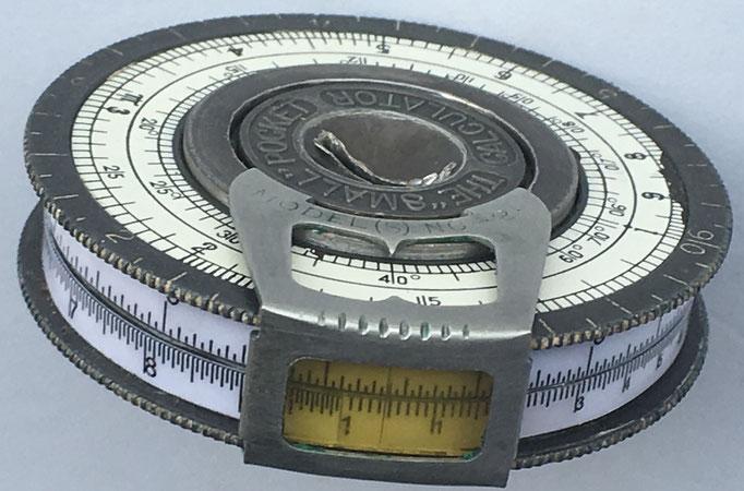 "Lateral de The ""SMALL"" Pocket Calculator"