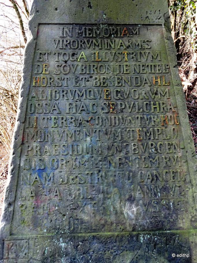 Inschrift des Obelisk