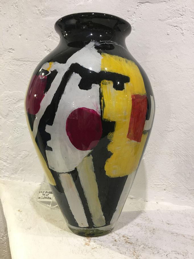 Vase visages. Rouge, noir, jaune.  ( Vendu )