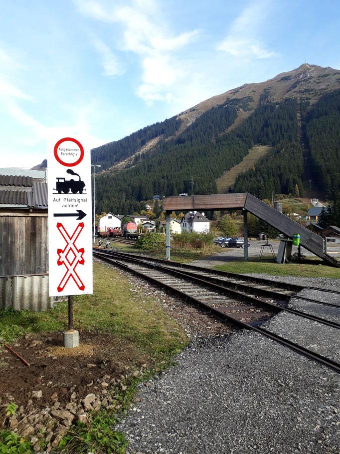 Die EK am Bahnhof Präbichl wurde mit Andreaskreuzen abgesichert