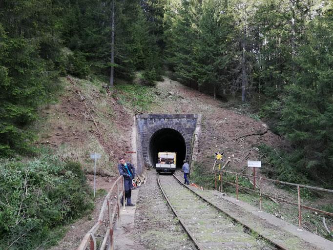 Das Tunnelportal nach dem Freischnitt