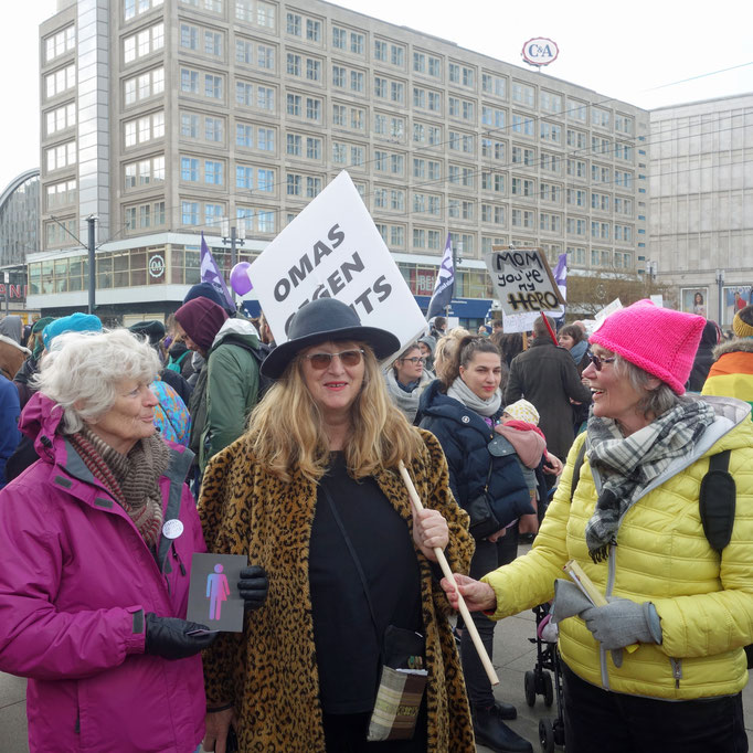 """Omas Gegen Rechts"" with CO-WC sign at International Women's Day in Berlin, 2019."