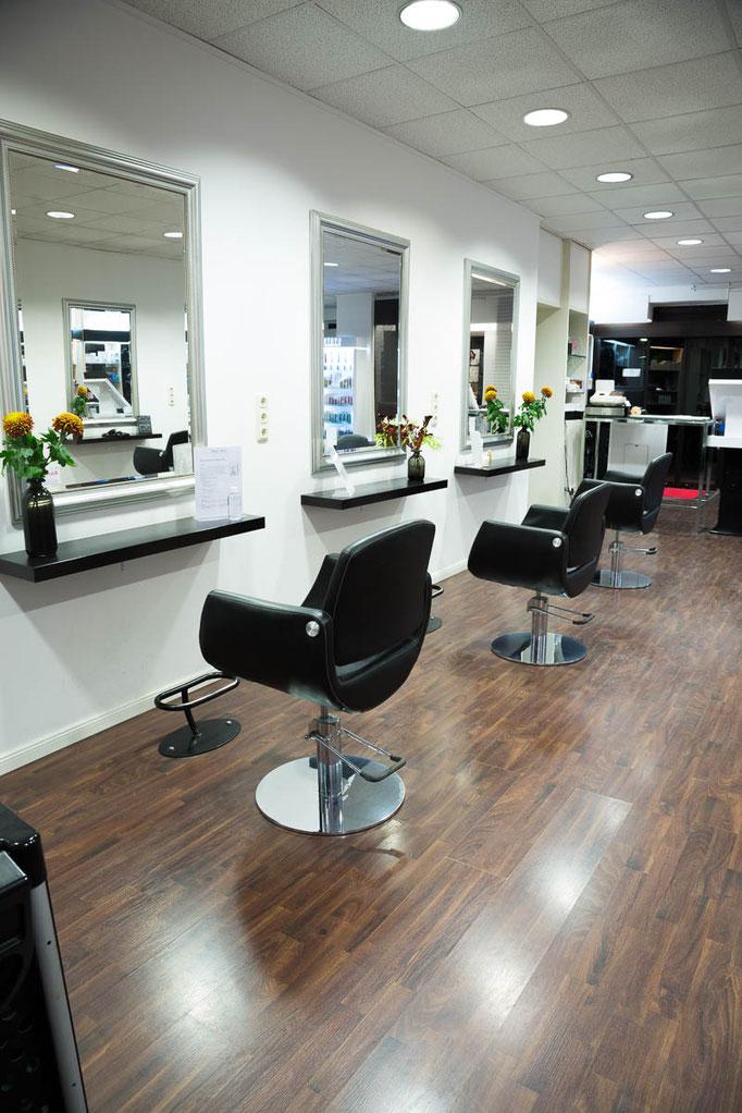 Salon Friseur Studio 78 innen rechts