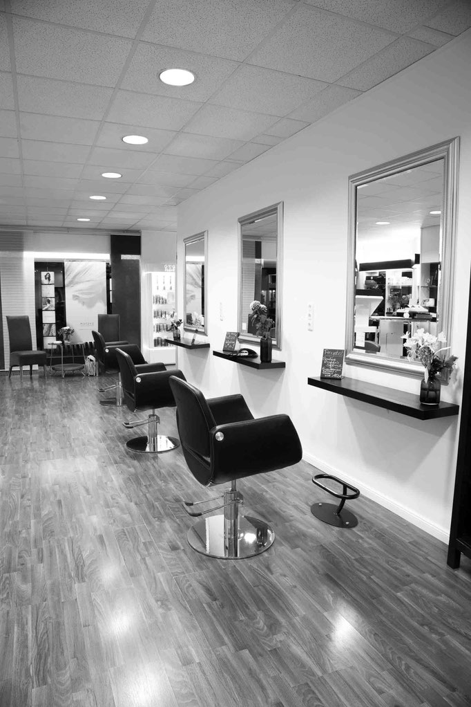 Salon Friseur Studio 78 innen links