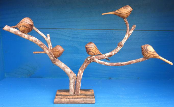 5 oiseaux en zébrano sur branche de bruyère - socle en bocote - 80 €