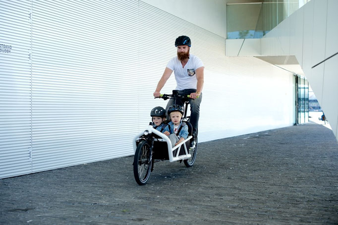 Cargo e-Bike mit Kindersitz