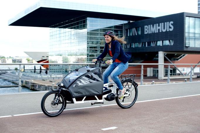 Cargo e-Bike mit Wetterschutz