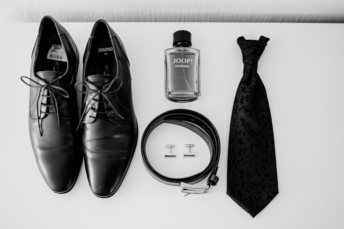 Getting Ready, Bräutigam, Parfum, Schuhe, Gürtel, Schlips