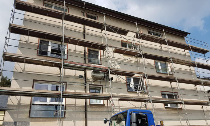 Gerüstbau Martin in 09579 Grünhainichen- Gerüst für einen neuen Fassadenanstrich