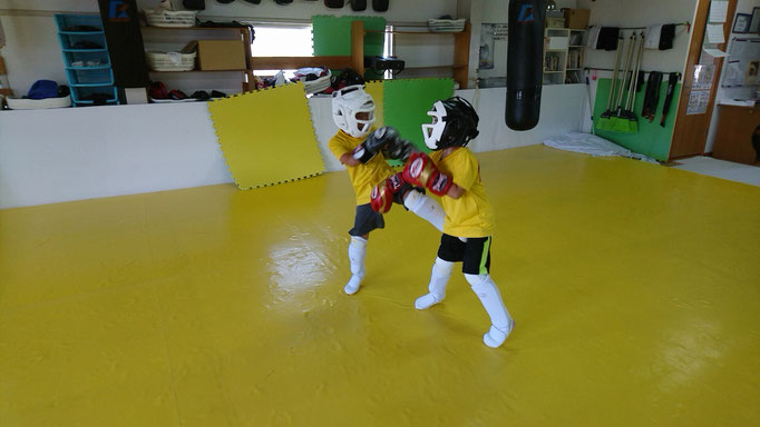 teamYAMATO奈良新大宮支部でのスパーリング画像。