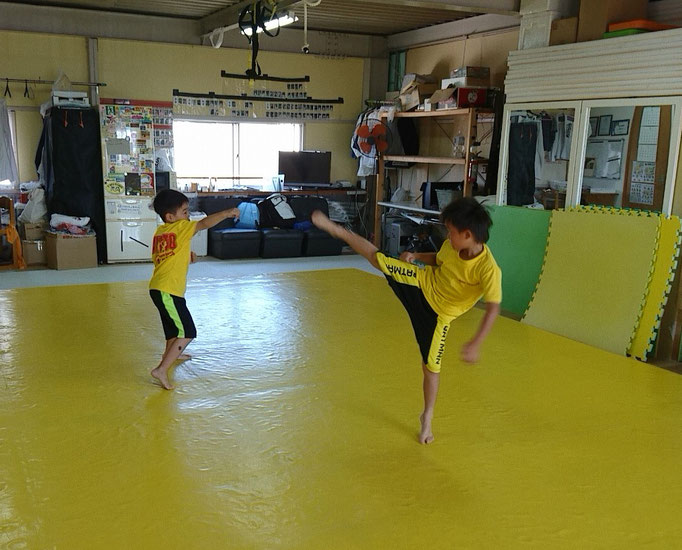 teamYAMATO奈良新大宮支部の小学1年生の二人。