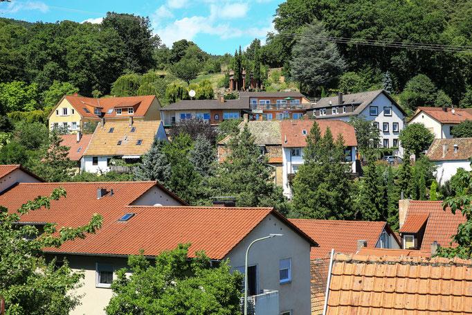 """Blick auf """"Hotel-Pension Weinberg"""""""