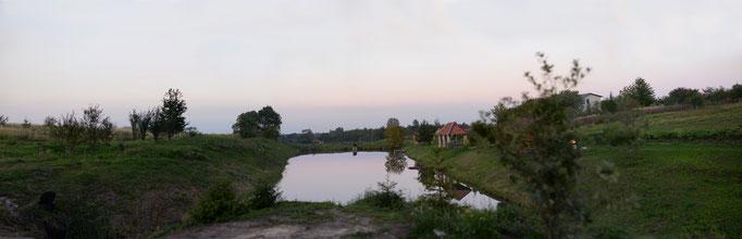 Відновлення відпочинкової зони навколо басейну.
