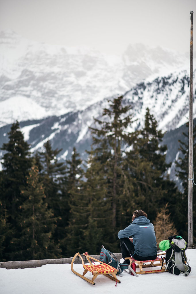die schönsten Naturrodelbahnen in Tirol: Brandstattalm, Stubaital  #rodelbahn #winterwandern #tirol #alpen #stubaieralpen #stubaital #mountainhideaways