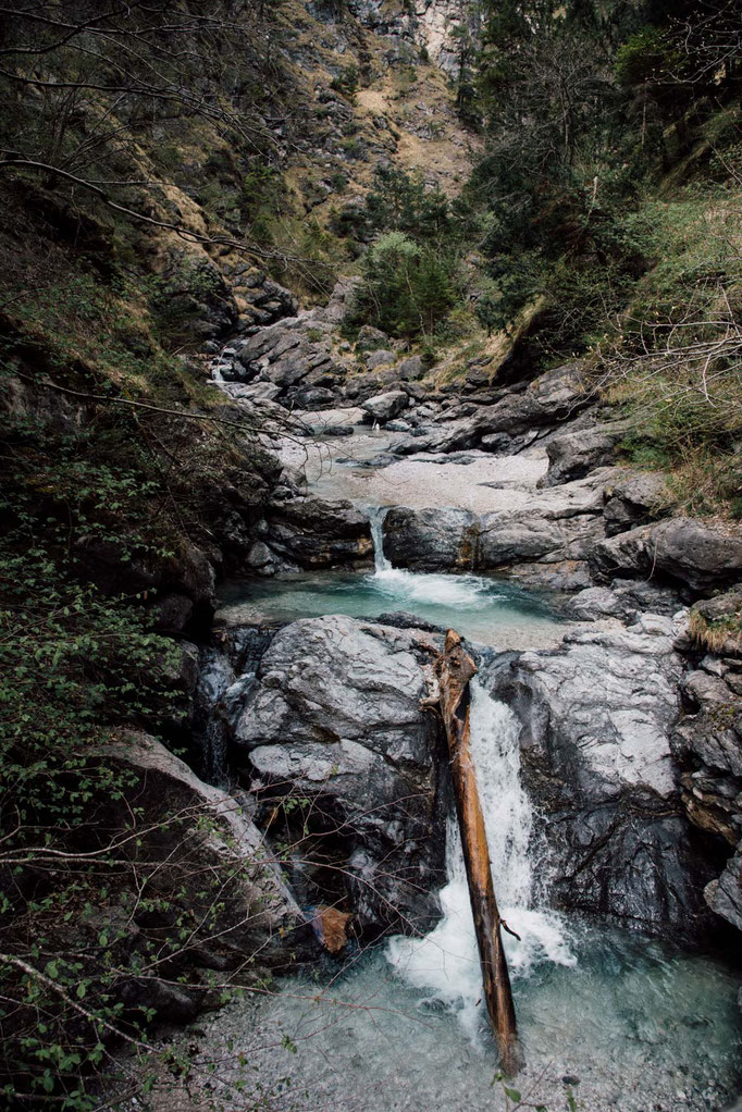 Wanderung entlang des Vomperbachs ins Vomper Loch - Schluchtenwanderung Tirol